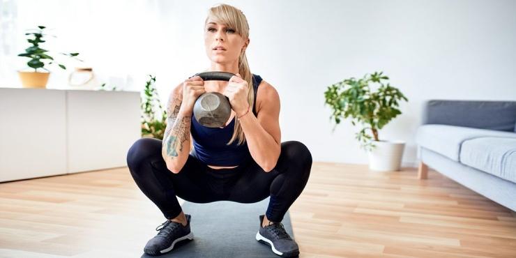 Тренировка дня 5 упражнений для прокачки ног и похудения