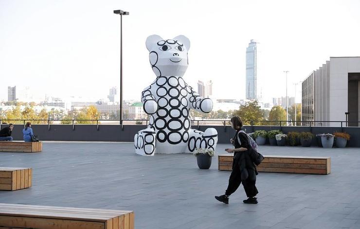 В Екатеринбурге появилась скульптура Андрея Бартенева