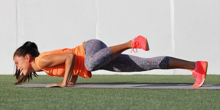 Тренировка дня суперсет на мышцы кора от кроссфит-атлетки