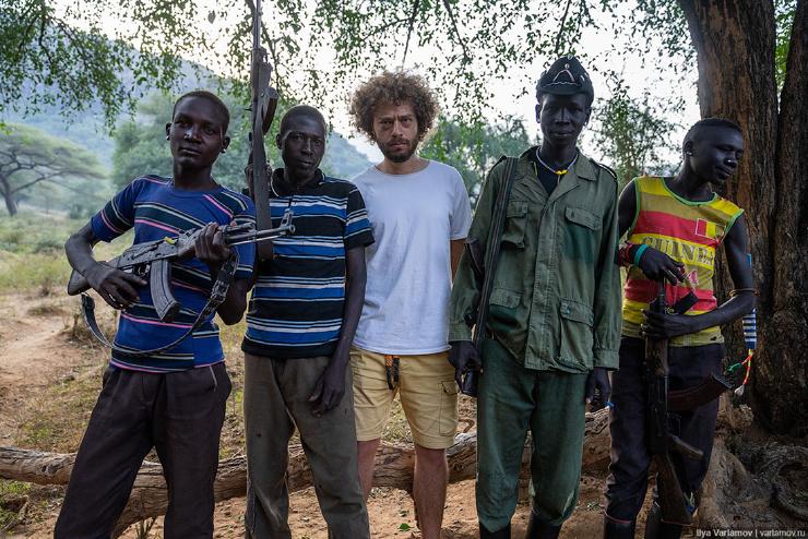 Ларим африканское племя, уклад жизни которого не менялся тысячи лет  фото