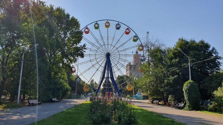 В Волгограде с молотка продают Колесо обозрения  фото  видео