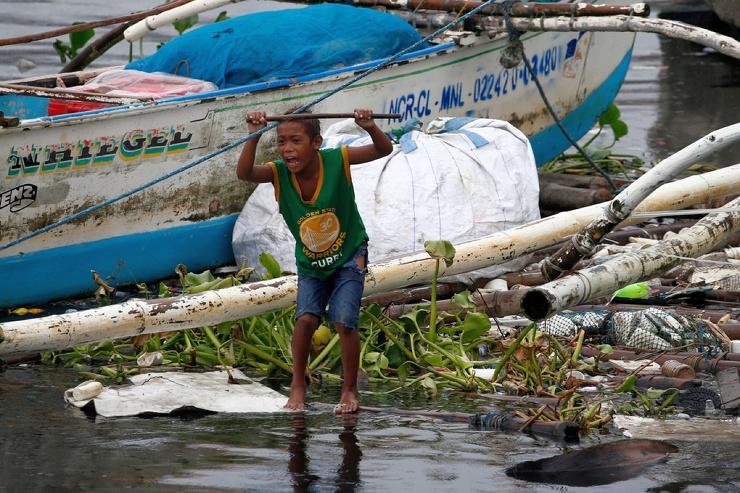 Последствия тайфуна Vamco на Филиппинах (41 фото) (видео)