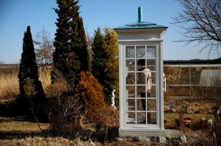 В Японии есть телефонная будка, из которой можно позвонить умершим