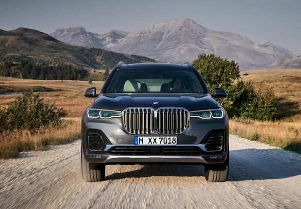 Восемь убойных фактов о BMW X7 (8 фото)