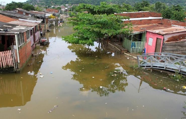 Ураган Йота сеет террор в Центральной Америке