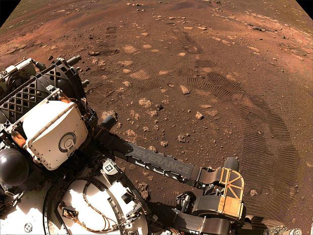 НАСА опубликовало первую аудиозапись со звуком ветра на Марсе