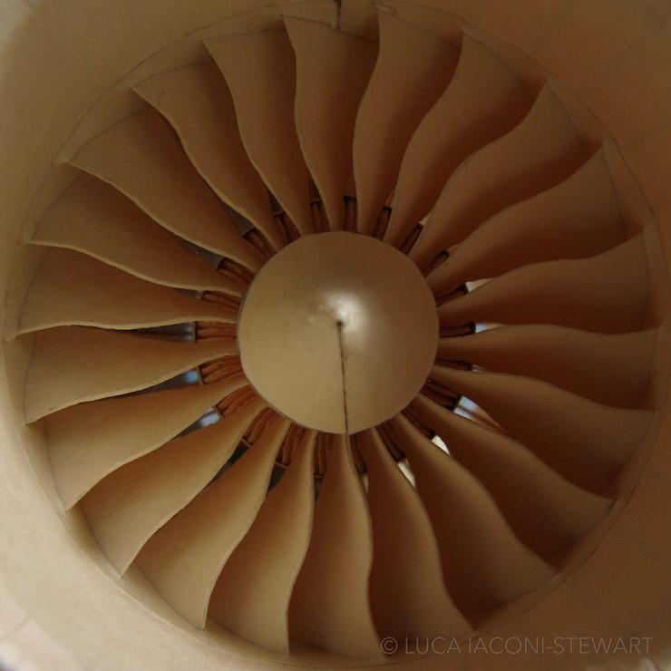 Бумажный самолетик  фото  видео