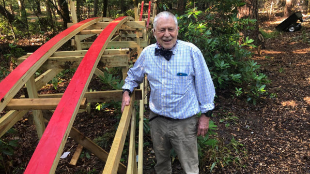 Внук построил американские горки для 83-летнего дедушки
