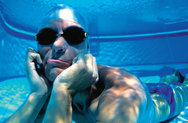 Фридайвер проплыл на одном дыхании под водой 202 м