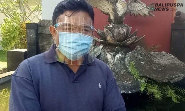 Студентам индонезийской академии разрешили платить за учебу кокосами