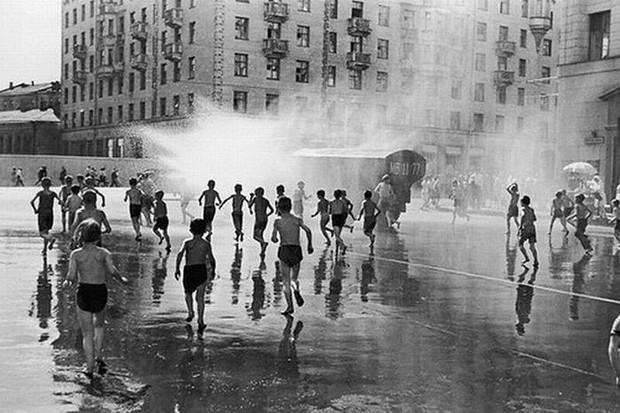 Как спасались от жары в СССР (ностальгическая галерея) (12 фото)
