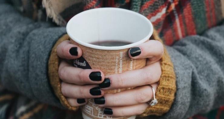 Почему иногда болит голова, если не выпить утром кофе
