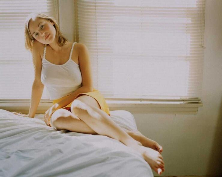 Утренние девочки Сексуальные девушки в белых маечках от  24.05  фото
