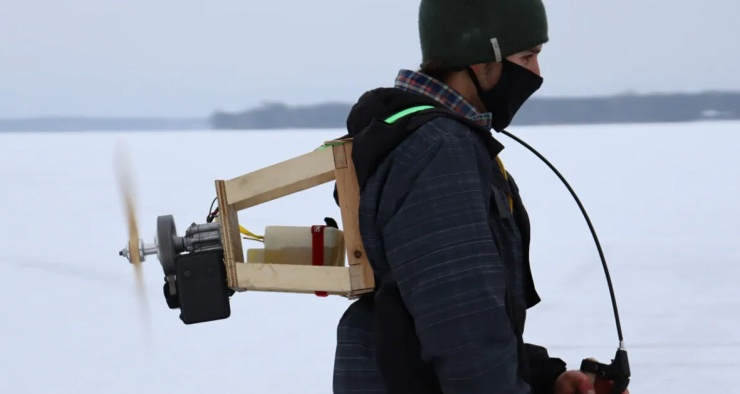 Канадский изобретатель создал джетпак для скоростного катания на коньках