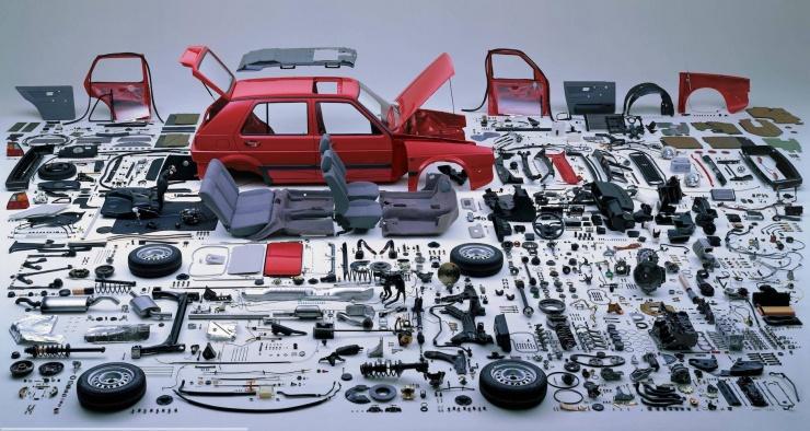 Из скольких деталей состоит автомобиль