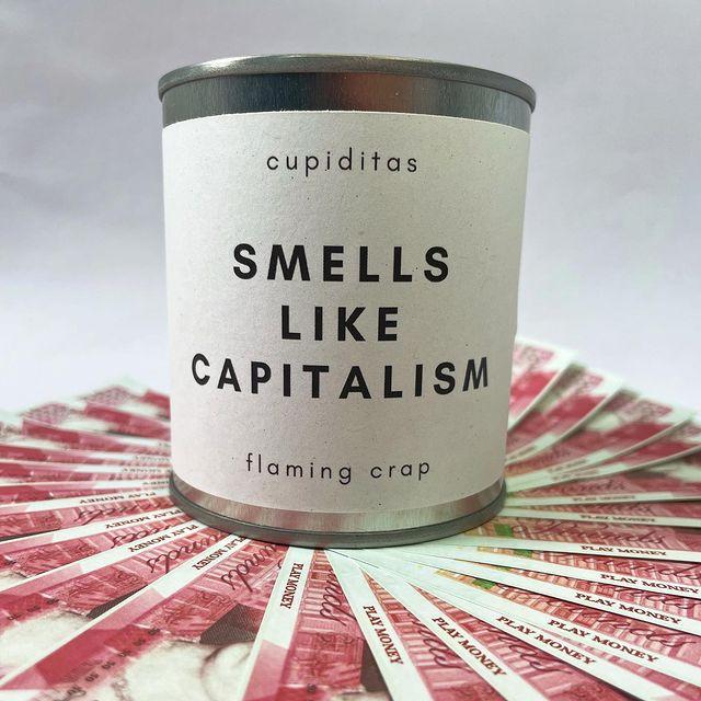 В Великобритании в продаже появились свечи с запахом богатства