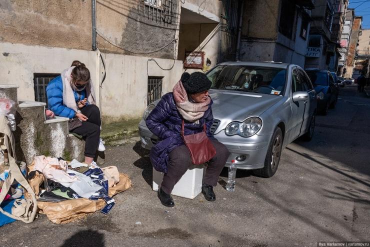 Тирана нищий совковый город, который тянется к Европе (68 фото)