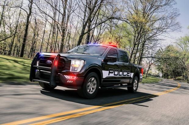 200 кмч по бездорожью Ford показал новый пикап для копов