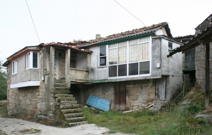 Реконструкция заброшенного сельского дома в Испании