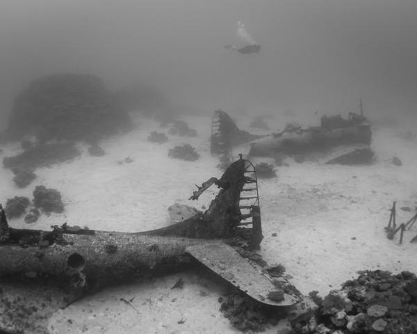 Куда отправляются умирать самолеты завораживающие фото подводного кладбища