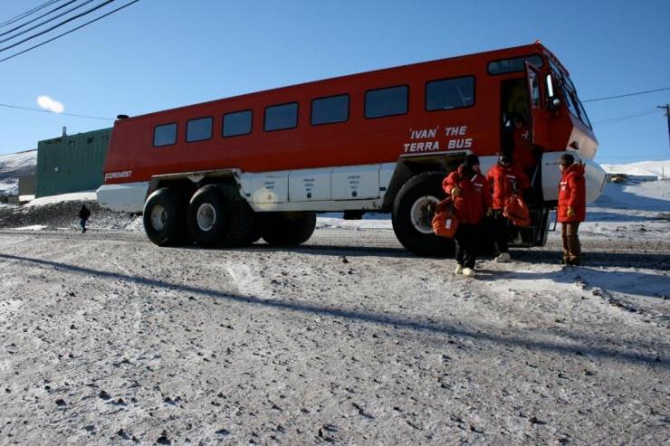 Суровый канадский автобус Ivan