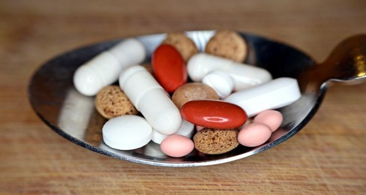 Антибиотики оказались способны замедлять рост мальчиков