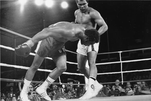 Али акбар! История жизни великого боксера Мохаммеда Али (14 фото)