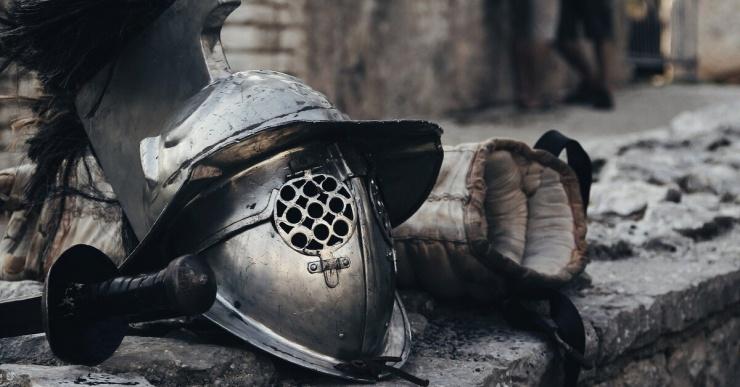Как убивали рыцарей в бою, если доспехи защищали все тело?