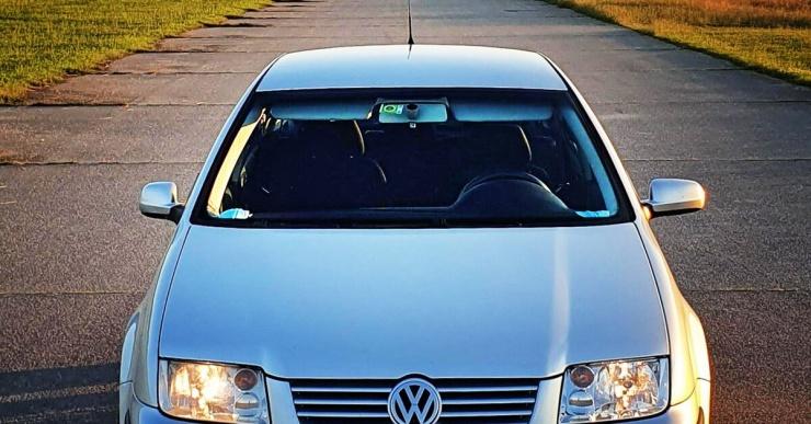 Почему раньше правые боковые зеркала у машин делали короче левых?