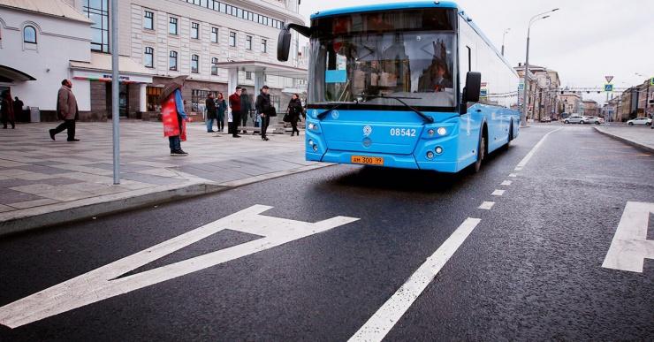 Кому можно ездить по выделенной полосе для общественного транспорта?
