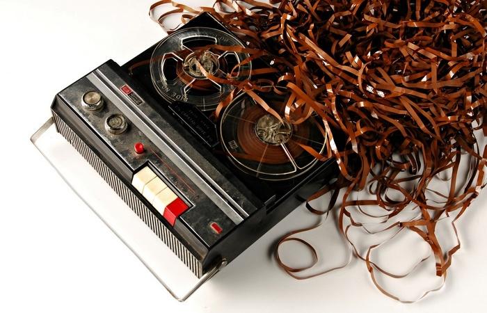 Почему советские магнитофоны жевали пленку