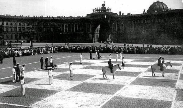 История одной фотографии живые шахматы на Дворцовой площади