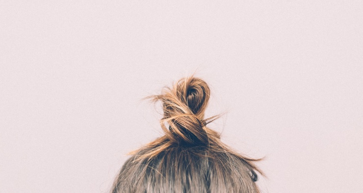 Почему у человека волосы растут в основном на голове