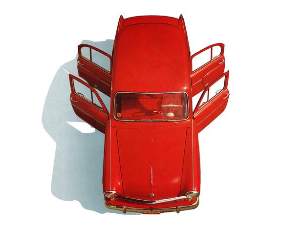 Советские полуфабрикаты как автомобили из СССР дорабатывали для зарубежного покупателя (24 фото)