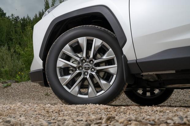 Toyota RAV4: за что не надо переплачивать