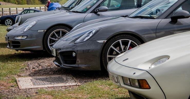 Самый быстрый в мире спорткар Porsche выставят на аукцион