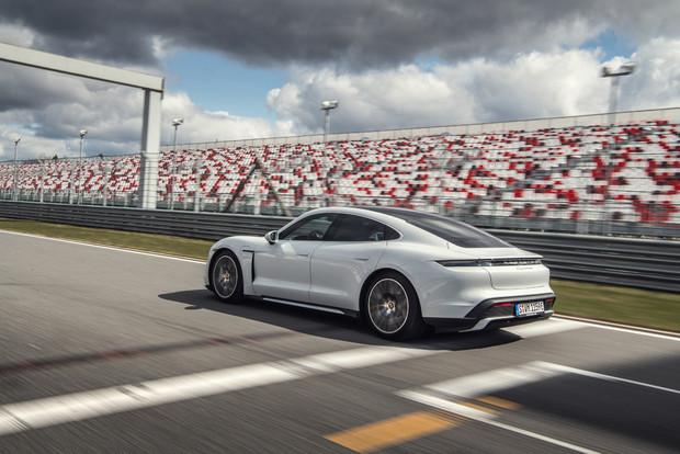 Porsche Taycan — мастер когнитивного диссонанса
