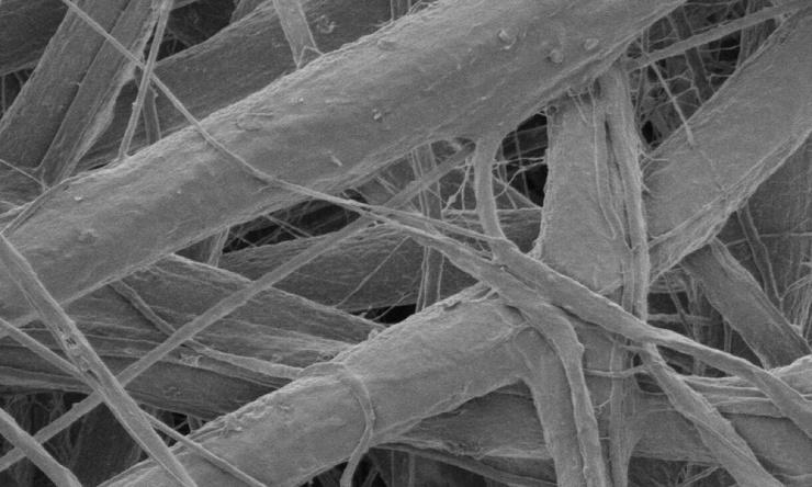 В Австралии создали бинты нового поколения — с нановолокнами, которые уничтожают бактерии и светятся при инфекции