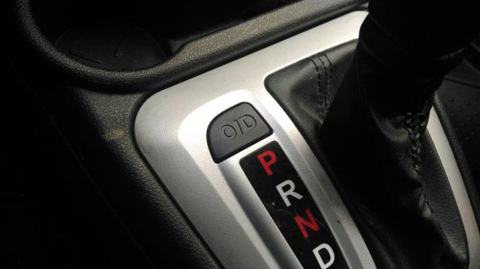 Для чего раньше в машинах была нужна кнопка «Овердрайв»?