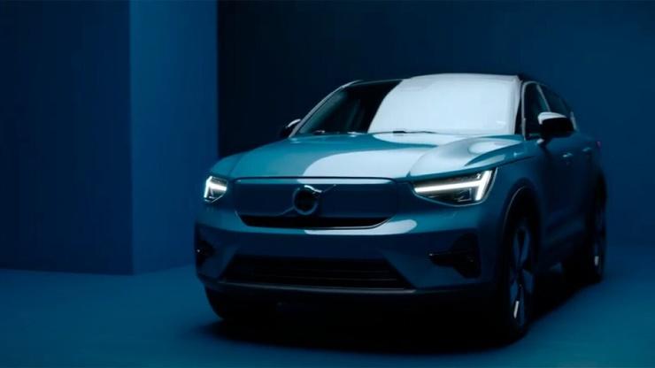 Volvo показала электрокар C40 Recharge