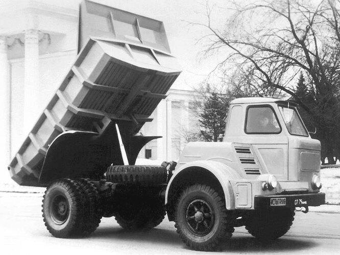 МАЗ-510: советский грузовик с асимметричной кабиной