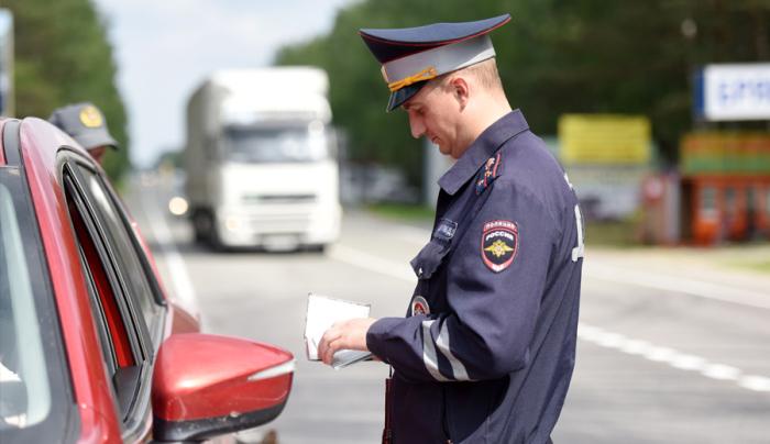 Можно ли избежать штрафа за наезд на стоп-линию просто сдав назад?