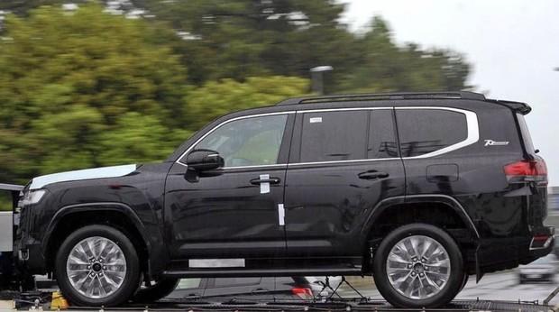Toyota Land Cruiser 300: появились новые подробности